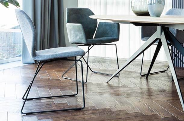 8 Zwarte Design Stoelen.Design Esszimmerstuhle Goossens